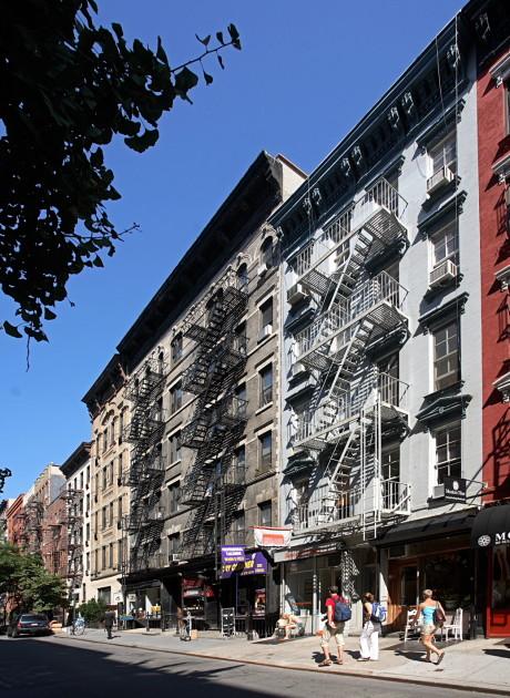 Sullivan Mews Soho No Fee Apts Manhattan Skyline
